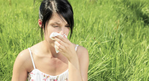 What are the reasons behind fall allergy symptoms and triggers?