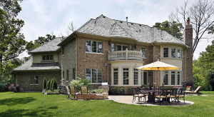 7 Questions People Ask About Stone Veneer
